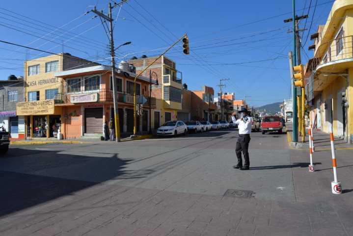 En Nanacamilpa entregan mil caretas protectoras a policías y conductores del transporte público