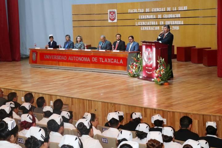 Efectuó UAT ceremonia de graduación de la Licenciatura en Enfermería