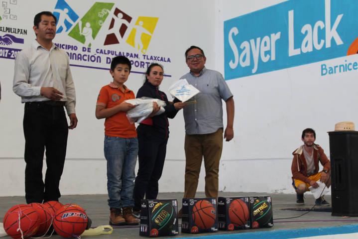 Ayuntamiento fomenta el deporte con 2do torneo de baloncesto
