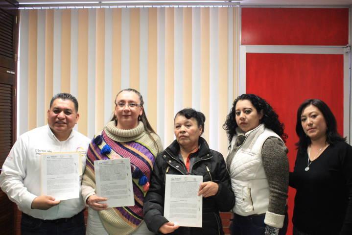 Firma convenio DIF de Apetatitlán con el CRI de Apizaco