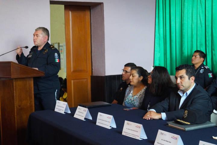 Icatlax capacitara a policías y con esto mejoraran su desempeño: alcalde