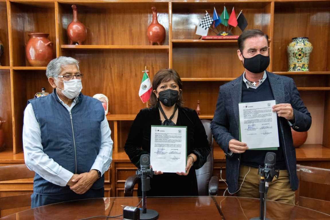 Firman convenio de colaboración Anabell Ávalos y García Méndez