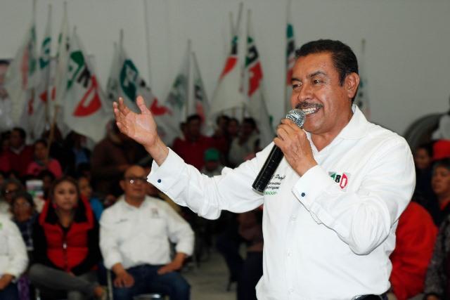 Recibe Florentino Domínguez respaldo de priistas de Contla