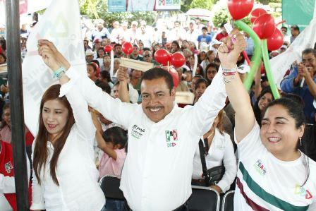 Necesario que las personas crean en la política: Domínguez