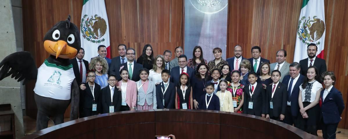 Celebra TEPJF Día del Niño y la Niña con sesión del Tribunal Electoral Infantil