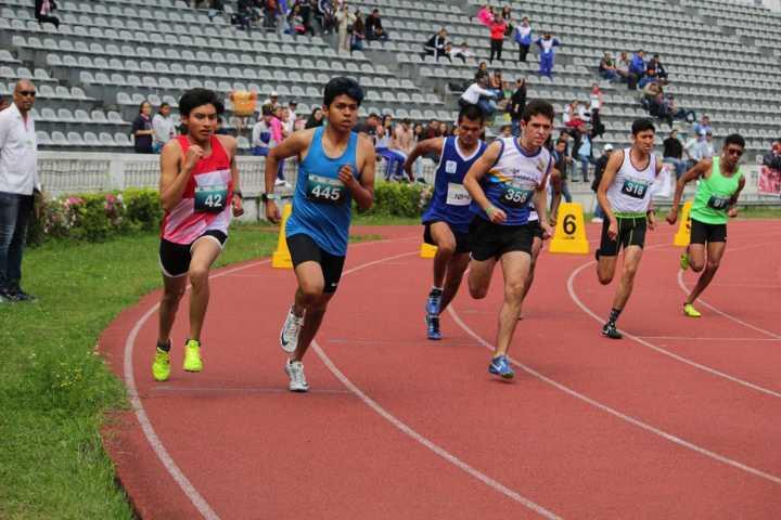 Participan atletas tlaxcaltecas en torneo en Veracruz