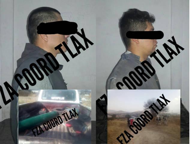 Policía de Tetla asegura a dos masculinos por desvalijamiento de retro excavadora