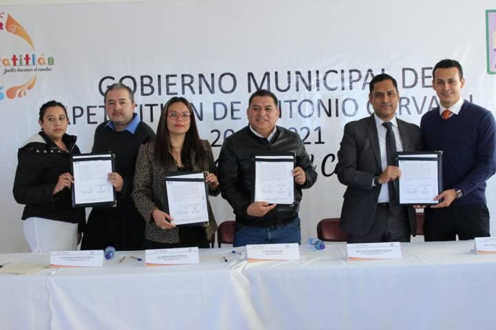Firmo IAIP Tlaxcala convenio con el ayuntamiento de Apetatitlán