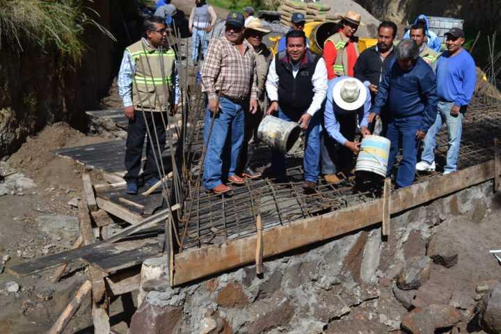 Supervisa gobierno de Tzompantepec ejecución de Obra Pública 2019