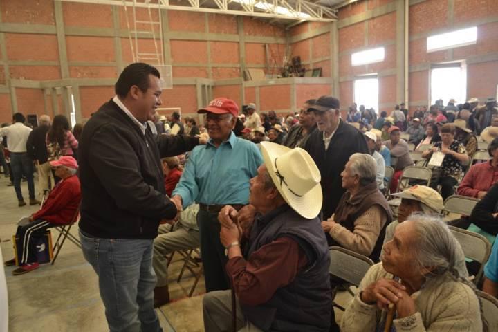 Tzompantepec recibió el programa 65 y más de la Secretaria del Bienestar