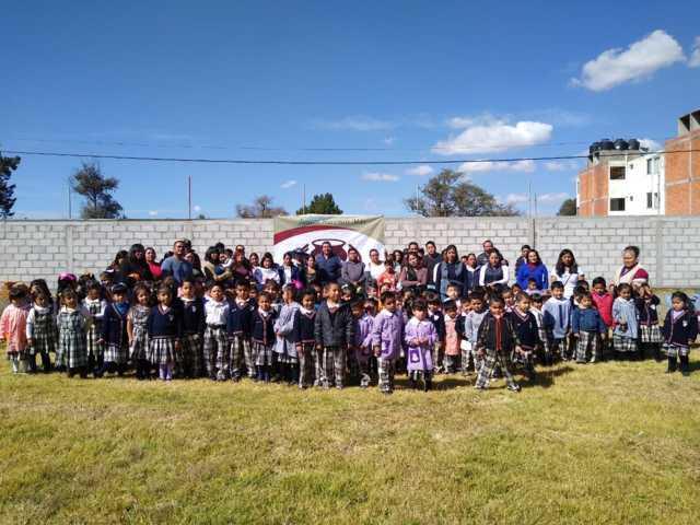 Entrega presidente de Tzompantepec, Obra Pública En Apoyo a la Educación