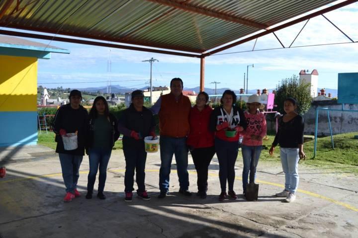 Gobierno de Tzompantepec Apoya a Instituciones Educativas