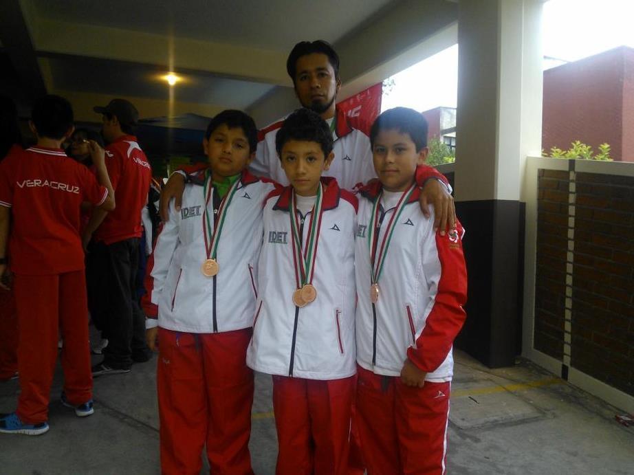 Llega equipo tlaxcalteca de squash a Nuevo León