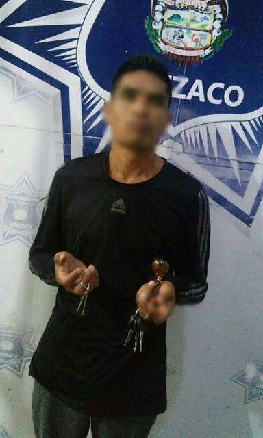 Detiene policía de Apizaco a sujeto por portación de droga