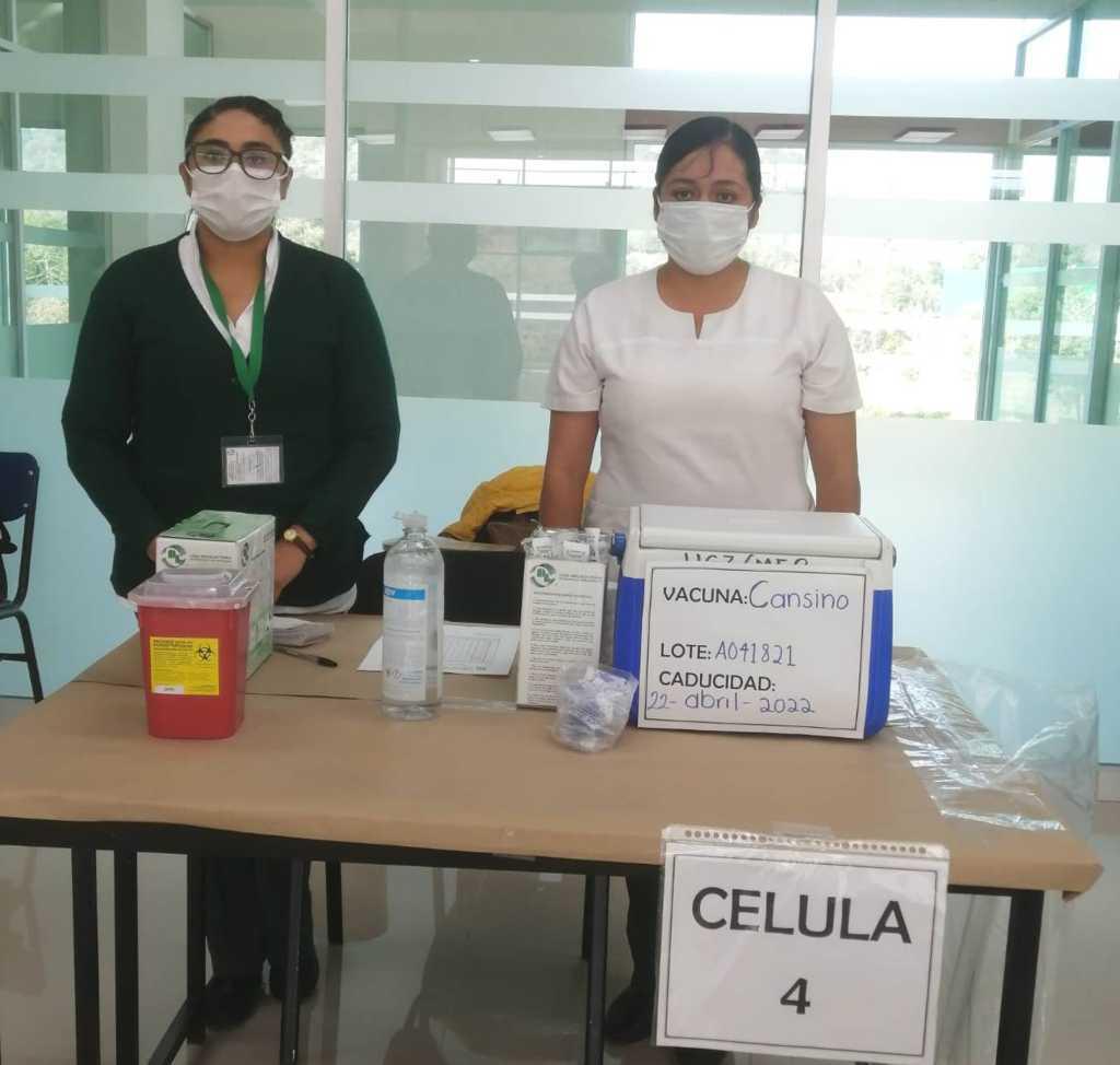 IMSS Tlaxcala apoya en vacunación a personal docente contra Covid-19