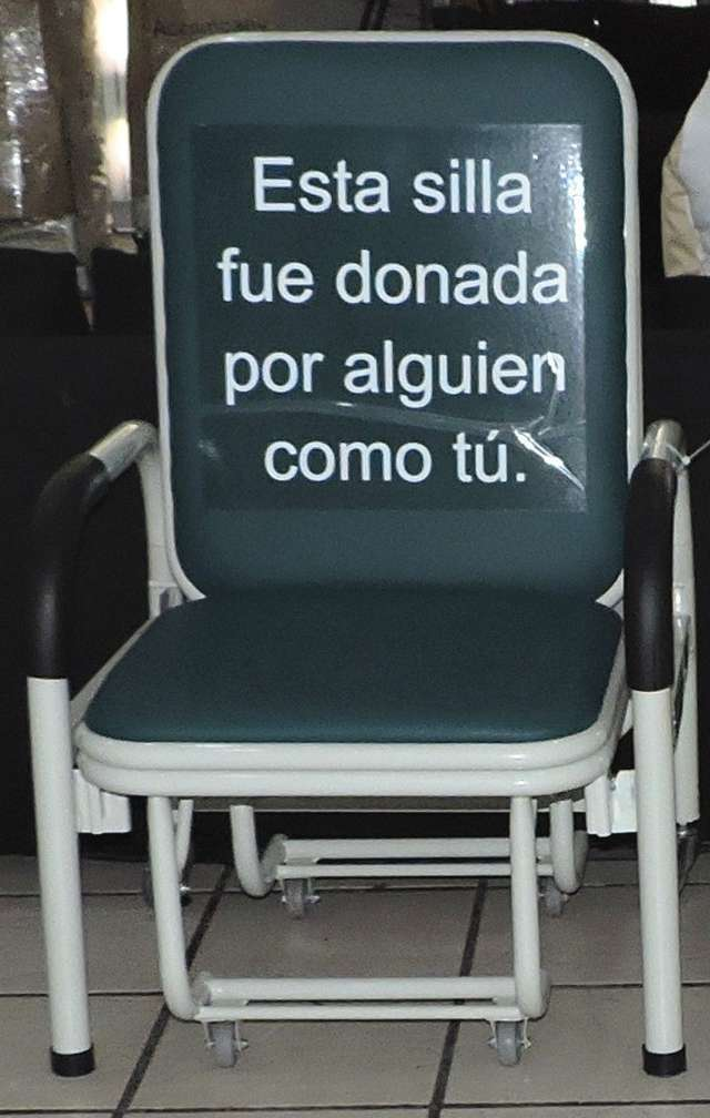 Recibe IMSS Tlaxcala sillas-camas donadas para sus áreas hospitalarias