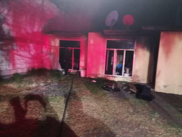 Seguridad Pública y protección civil de Tzompantepec atienden incendio en casa habitación