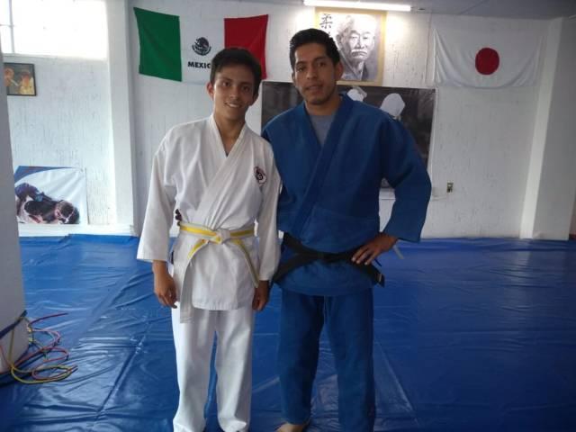 Joven deportista de Tzompantepec participa en Olimpiada Nacional