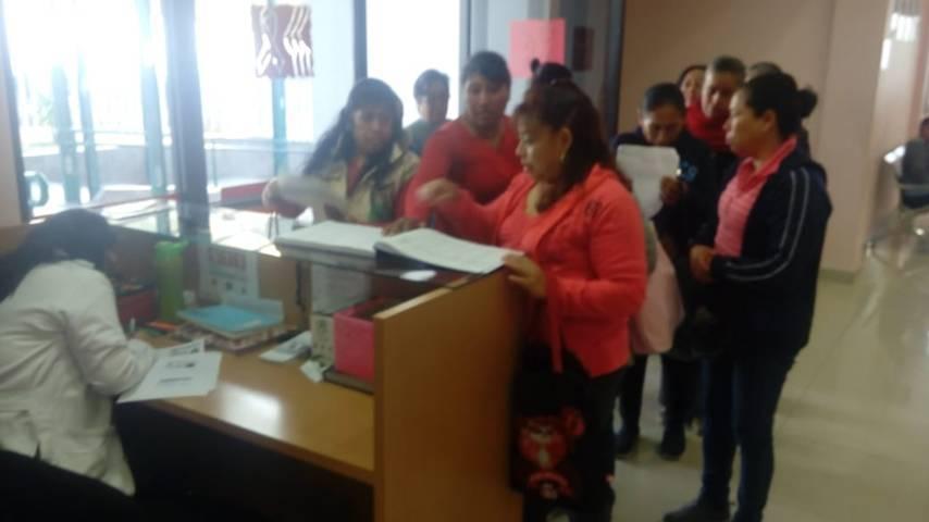 Se realizan pruebas de mastografía gratuitas a mujeres de Tzompantepec