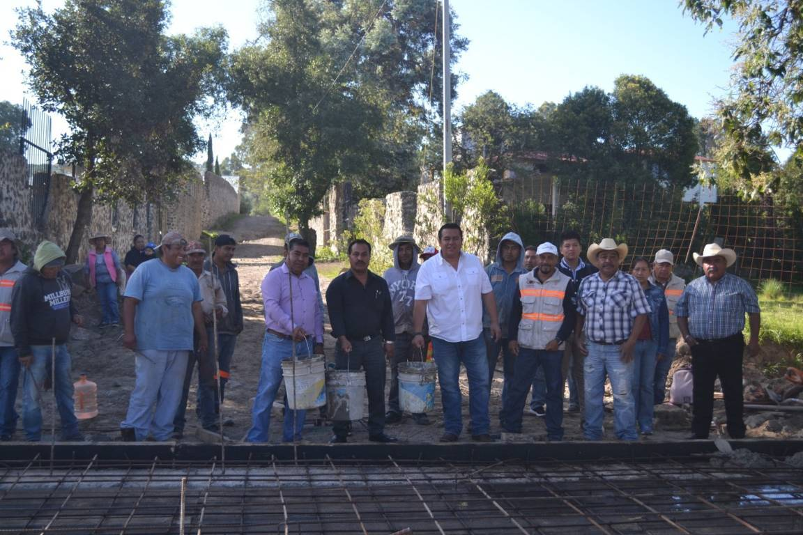 Beneficia Obra Pública de Tzompantepec a 70 familias