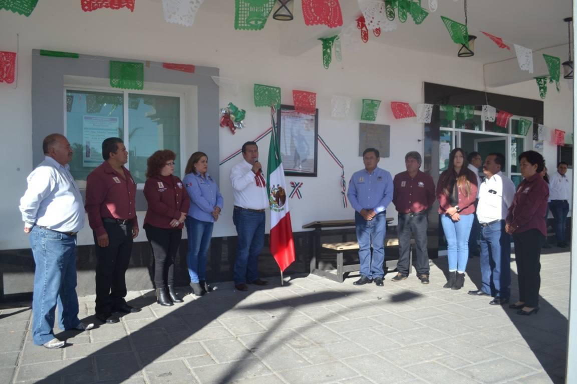 Alcalde de Tzompantepec realizó la pega de Bando Solemne de Fiestas Patrias 2019