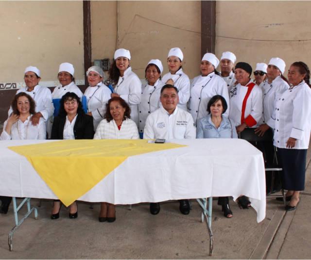 Se realiza clausura de curso de alimentos y reposteria en Atexcatzinco, Tetla de la Solidaridad