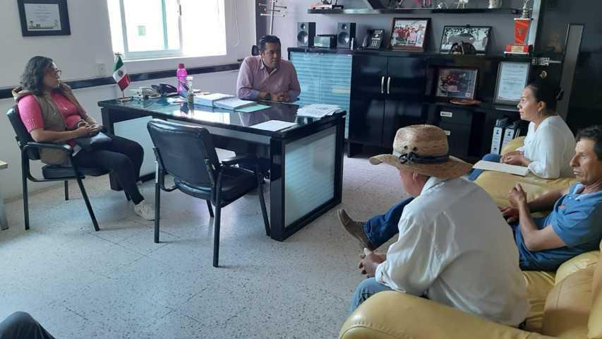 Alcalde de Tzompantepec atiende problema de falta de Agua en Quetzalcoapan