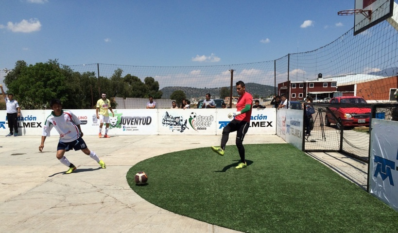 Se coronan Estrella Blanca y Coyotas en Street Soccer