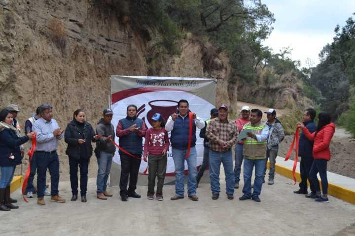 Entrega Gobierno de Tzompantepec, Obra Pública En Xaltianquisco