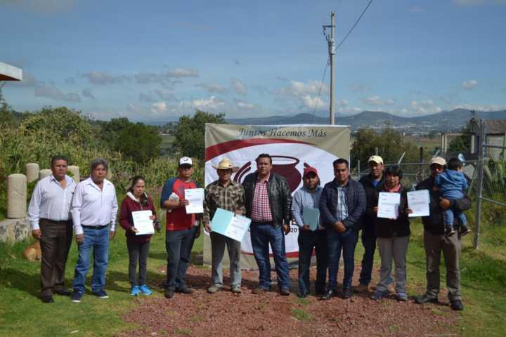 Arturo Rivera Mora entrega Ampliación de Electrificación en San Salvador Tzompantepec