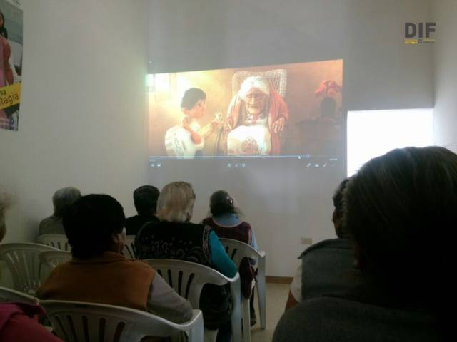 """Casa del Abuelo ejercitan memoria de los abuelitos con la 2da parte del """"Coco"""""""