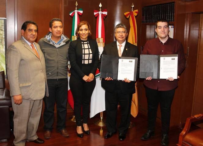 Firmaron convenio de colaboración la UAT y la empresa The Cloud Group