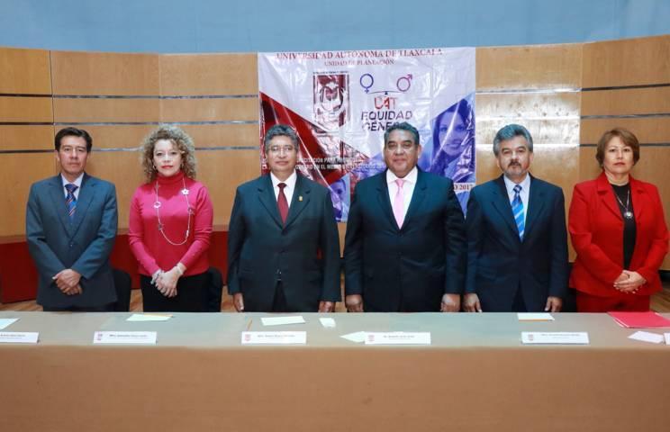 Trabaja la UAT en materia de equidad de género y derechos de la mujer