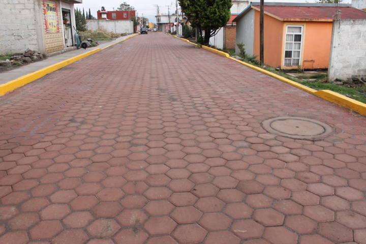 Atiende alcaldesa Anabell Ávalos petición de vecinos de la calle Galeana en Ocotlán