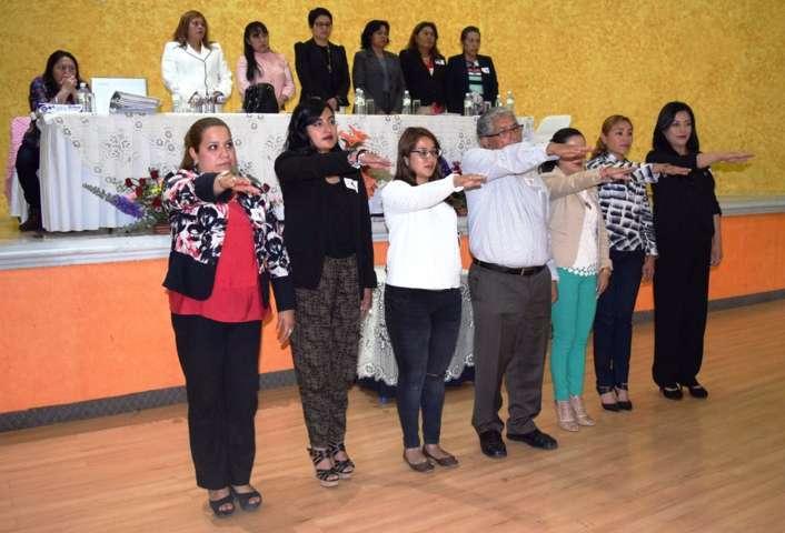 Gana Héctor Martínez liderazgo de síndicos, Planilla perredista hace berrinche y abandona