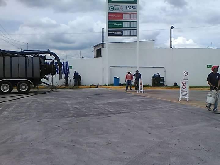 Viola empresario acuerdo y reabre gasolinera en Xocoyucan