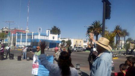 Religiosos confrontan a manifestantes contra  gasolinazo