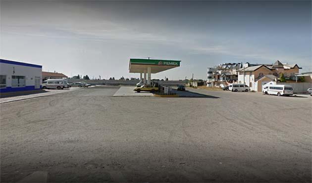 Trío de malandrines asaltan gasolinera en Quilehtla