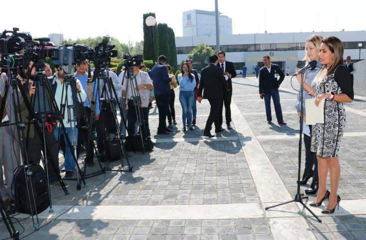 Presenta el PRI queja ante INE para investigar a López Obrador por uso de aeronave