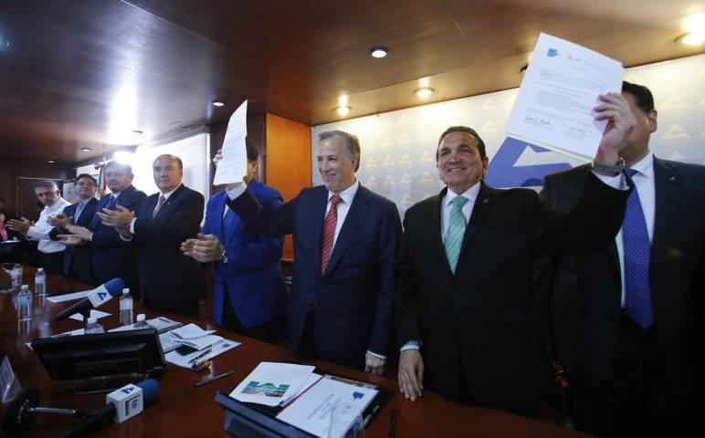 José Antonio Meade celebró la aprobación de la iniciativa que elimina el fuero
