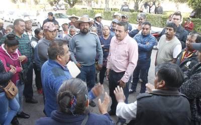 Pobladores detestan al alcalde de Españita y le cierran la presidencia