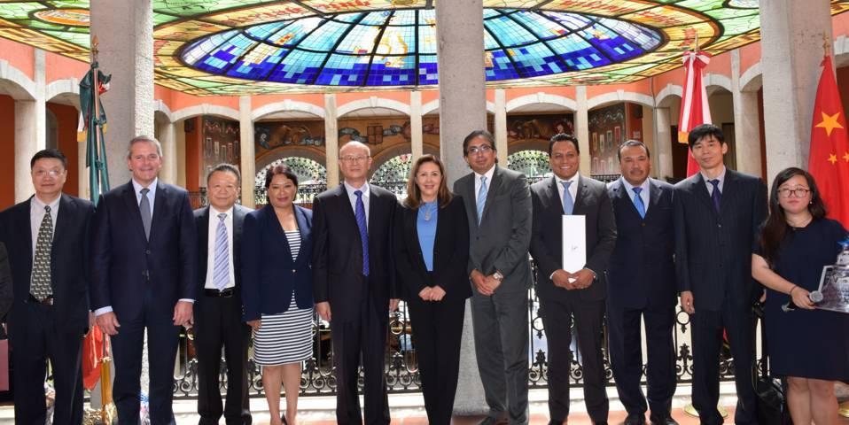 Reciben Diputados del PAN homólogos de la República de China