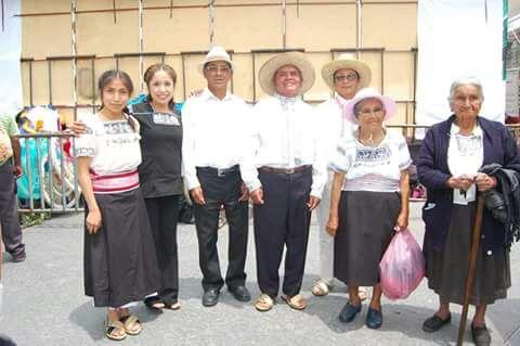 Presentan en tianguis turístico de Acapulco coro patito de Ixtenco