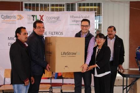 Entregan en Huamantla filtros microbiológicos para purificar agua
