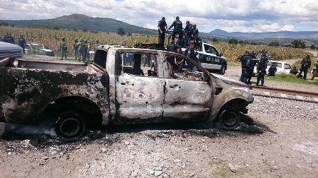 En amotinamiento en Lázaro Cárdenas hieren a dos policías
