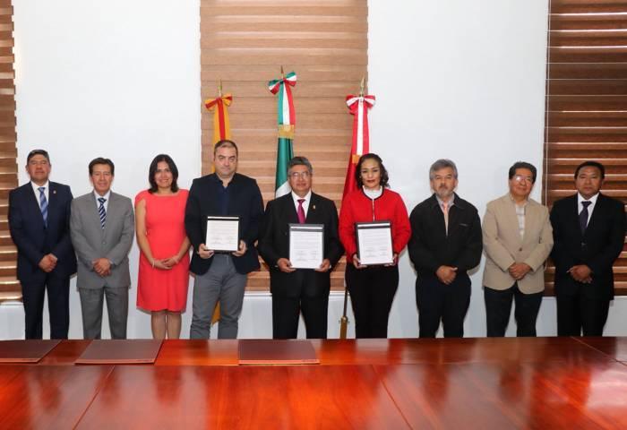 Suscriben acuerdo de colaboración UAT y empresa de transporte internacional TRC Shipping