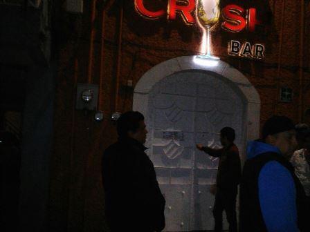 Clausuran dos bares en Huamantla tras operativo municipal