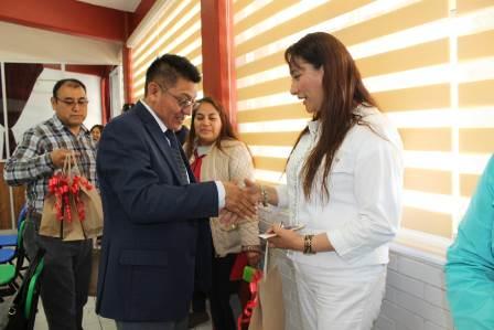 Valencia Muñoz reconoce la labor del maestro en el desarrollo del municipio