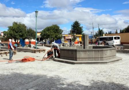 Notorios avances de las obras en plazuelas y parques de Huamantla