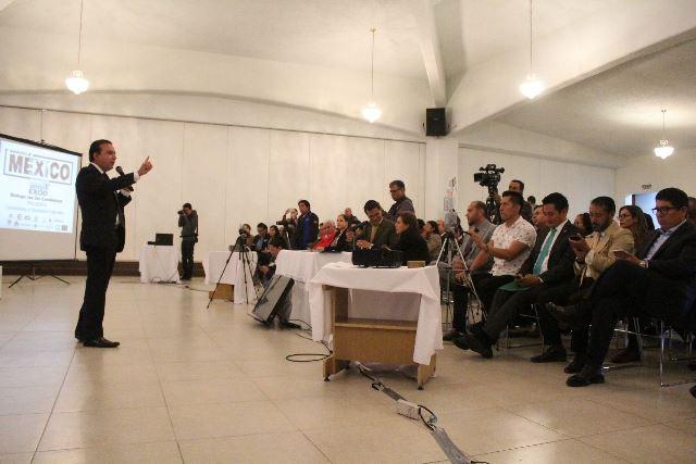 Humberto Macías gana con soluciones el foro de candidatos a diputados federales